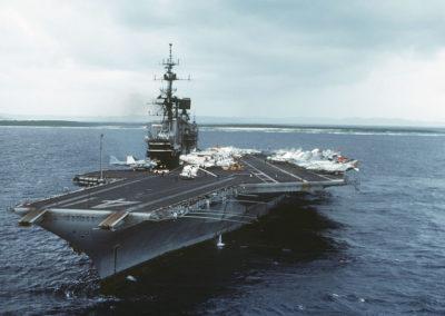 1200px-USS_Midway_(CV-41)_in_Yokosuka_port,_1984